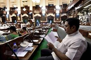 Tamil Nadu governor should have ordered floor test, say DMK and...