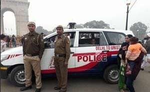 Delhi Police PCR van helps a young mother feed her baby