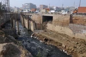 Dams, wider drains to check waterlogging at Hero Honda Chowk