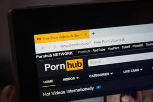Pornhub year in review: Sunny Leone, HD Hindi,  top searches from...