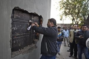 Around 130 shops in Meharchand Market, LodhiColony, were sealed on Wednesday for violation of municipal laws.