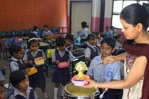 The ministry has sanctioned Rs 40 crore to the state government for serving mid-day meals to 15.50 lakh children of elementary classes in state-run schools.