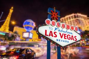 How hotels in Las Vegas are attracting tourists with modern technology...