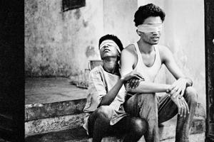 Eyes on Mumbai: Sooni Taraporevala's photo exhibition reveals a...