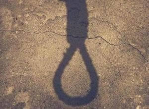 Lucknow: 41-year-old doctor hangs self over spat with wife