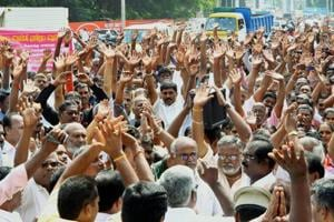 Tamil Nadu transport workers call off 8-day strike 'temporarily'