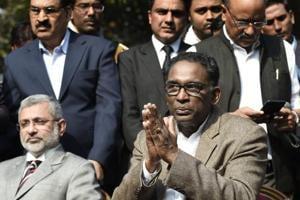 Supreme Court judges vs CJI: Dipak Misra must lead the resolution
