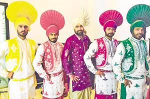 Lohri celebrations are incomplete without these folk dance specialists