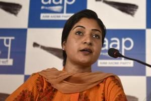 RWA member files complaint against AAP MLA Alka Lamba for threatening...