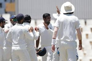 Ravichandran Ashwin (C) picked three wickets to help India nullify South Africa's bright start on Day 1of the 2nd Test at SuperSport Park in Centurion.