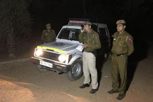 Robbers target couple at a park in south Delhi; 24-year-old stabbed to...