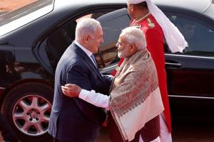 Modi-Netanyahu bonhomie: Israeli PM ready to do yoga with 'friend...