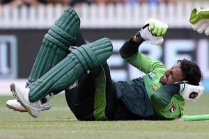 Shoaib Malik suffers from concussion after head injury during New...