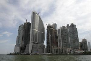Panama Hotel votes to drop Donald Trump, but his company refuses to go
