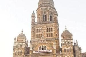 Scrap proposed list of 85,891 hawking pitches in Mumbai, say BMC...