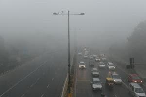 Delhi wrapped in dense fog as temperature drops to 5.6ºC, air quality...