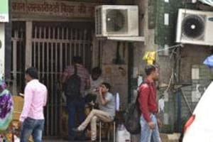UP govt allows drinking inside model liquor shops