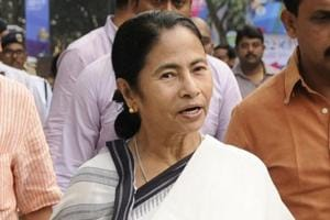 Mamata plays tolerance and harmony cards at biz summit to woo...