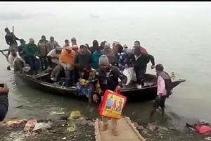 Steamer gets lost in dense fog on the Ganga, passengers rescued