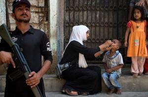 Militants kill mother-daughter polio workers in Pakistan