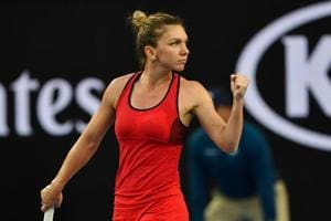 Australian Open: Simona Halep eases past struggling Eugenie Bouchard
