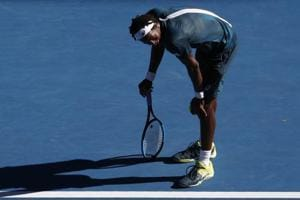 Australian Open: 'Feet on fire' as heat scorches Melbourne