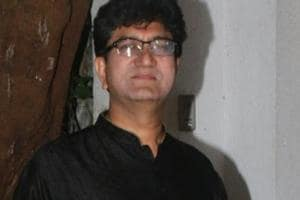 Will block entry of Prasoon Joshi to Jaipur Lit Fest: Karni Sena
