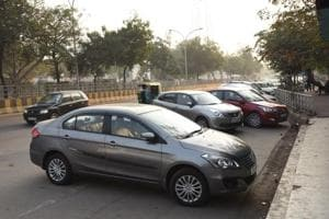 Five builders pulled up for illegal parking in Noida's Sector 77
