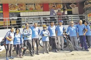 Members of Pune-based Bhraman Group (above) cycled from Konark to Pune in 13 days.