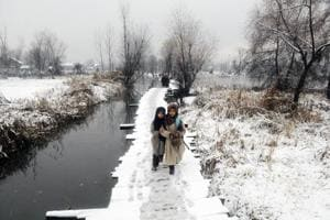 Valley, Ladakh shiver as Jammu warms up