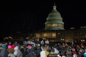 US government shuts down; Democrats,Republicans blame each other