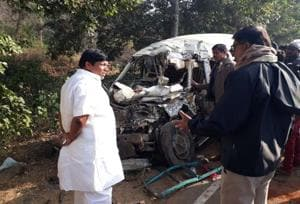 Jharkhand: Job hunt ends in death for 8 as truck crushes SUV