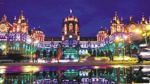 Mumbai railway board to draft proposal to convert CSMT railway station...