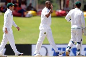 South African bowler Vernon Philander (C) said South Africa are aiming for a series whitewash.