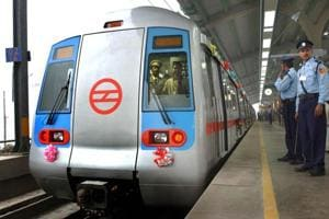 Woman held with 20 bullets in Delhi Metro