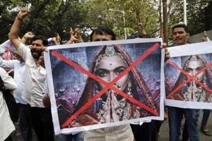 """Protesters shout slogans against the release of the Bollywood film """"Padmaavat"""" near the office of Central Board of Film Certification (CBFC) in Mumbai."""