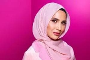 Hijab model Amena Khan pulls out of L'Oreal campaign over anti-Israel...