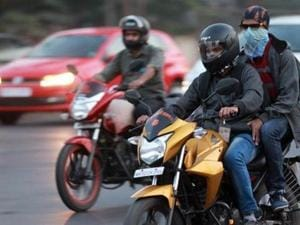 Vehicle dealers in Maharashtra to face action for not selling helmets...