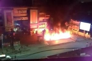 Padmaavat release: Ahmedabad malls vandalised, vehicles set on fire;...