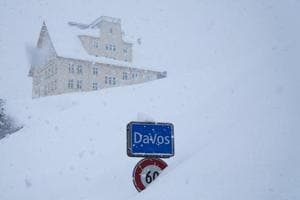 Heavy snowfall delays Davos arrivals for World Economic Forum