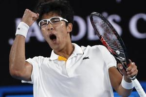 Weak eyesight no hindrance for 'Professor' Chung Hyeon at Australian...