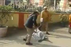 Police guards at district magistrate's office beat up woman in UP's...