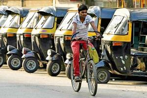 Cases of obtaining autorickshaw badges through fake documents have surfaced at the Andheri Regional Transport Office (RTO).