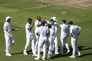 South Africa bowl India out cheaply on testing Wanderers surface