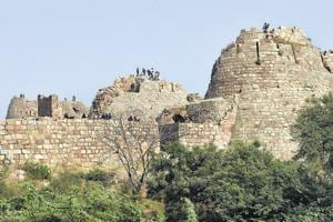 Ghiyasuddin, the founder of Tughlaq dynasty, chose the rocky site for Tughlaqabad so it would be easy to defend. Work began on the fort, a massive, formidable structure with sloping walls.