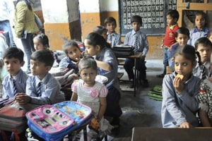 Centre to merge 3 flagship education schemes, defers 2018-19 fund...