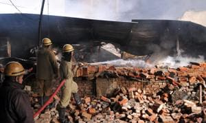 Another Bawana averted: Major fire at factory and its warehouse in...
