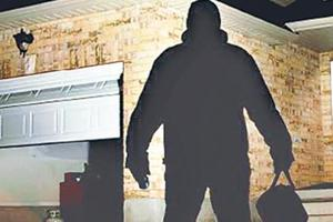 The burglar decamped with valuables collectively worth Rs10.42 lakh.