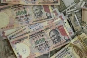 Scrapped notes of Rs 2.53 cr face value seized; four held