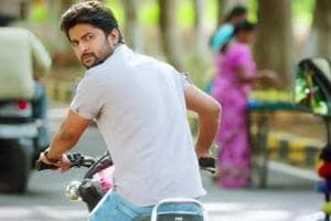 Actor Nani escapes with minor bruises in a road accident